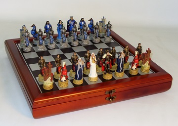 CHESS SET : KING ARTHUR (RESIN) WITH CHEST