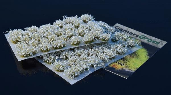 Gamers Grass: White Flowers