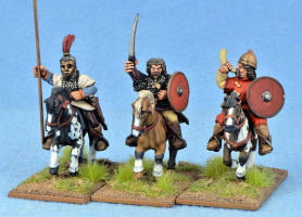 Gripping Beast 28mm Medieval Russian: Black Hoods (Command) (3)