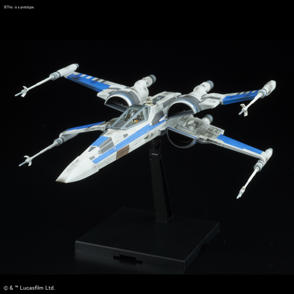 Star Wars Bandai Model Kit: Blue Squadron Resistance X-Wing Fighter (1/72)