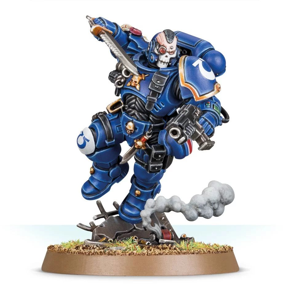 Warhammer 40,000: Space Marines: Primaris Lieutenant in Phobos Armour