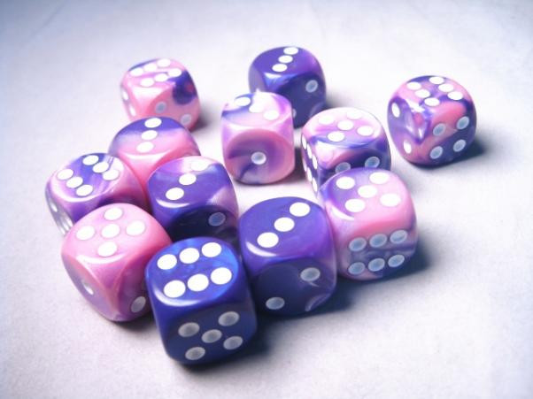 Chessex (26655): D6: 16mm: Gemini #6: Pink-Purple/White