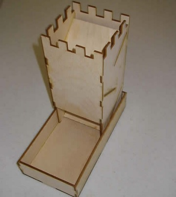 DICE TOWER KNOCKDOWN - BIRCH WOOD