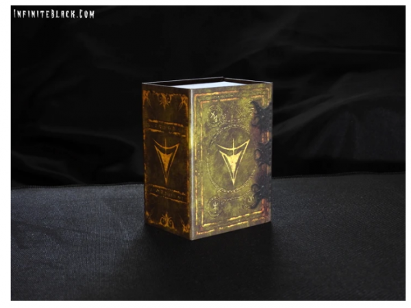 Grimoire Deck Box: The Yellow Sign
