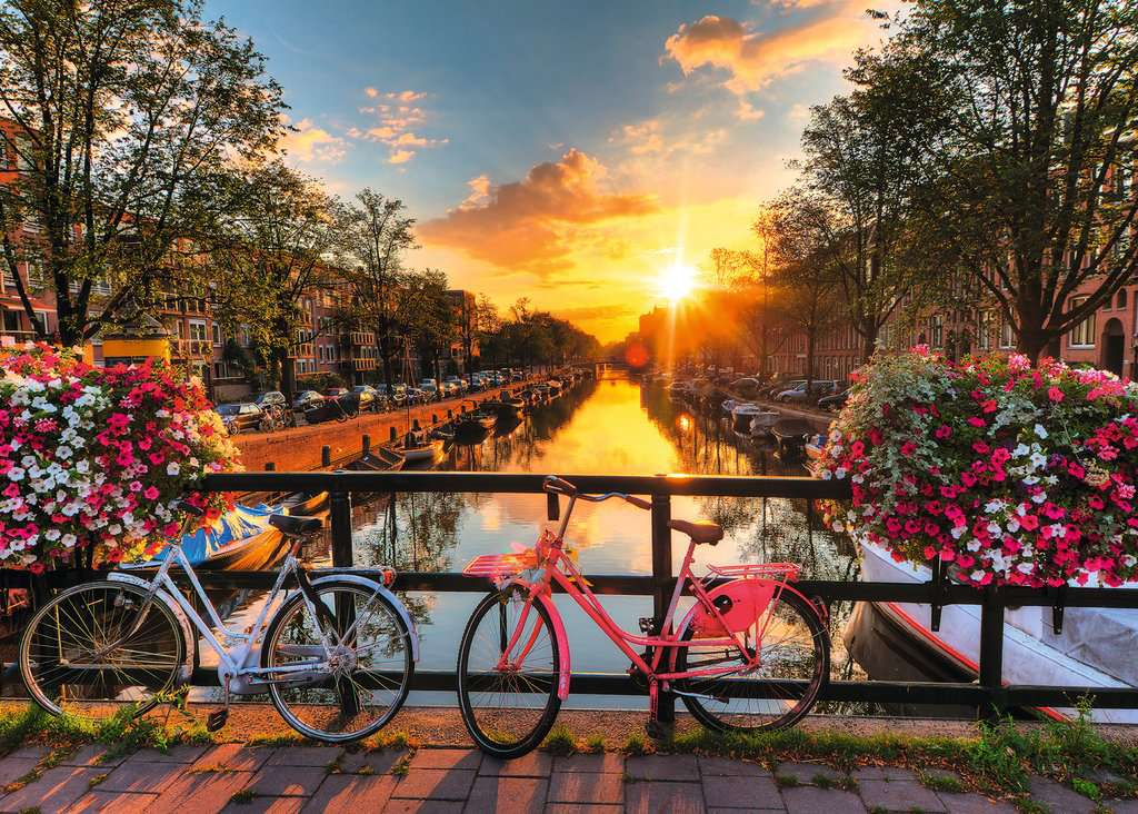 Ravensburger Puzzles (1000): Bicycles in Amsterdam