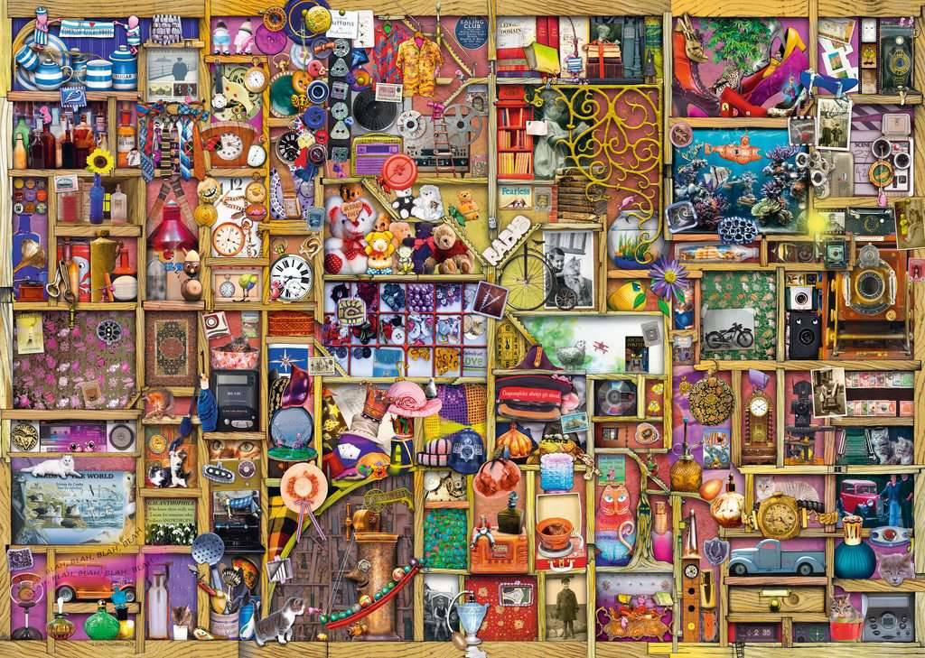 Ravensburger Puzzles (1000): Collectors Cupboard